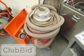 Milwaukee Wet/Dry 9 Gallon Vacuum.
