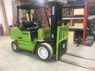 Clark GPX30 Forklift