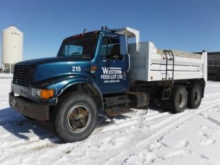 1991 International 4900 T/A Gravel Truck