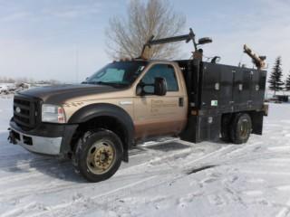 2006 Ford F450 Super Duty XLT Super Crew Cab Service Truck