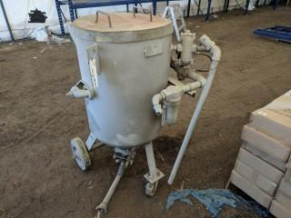 300 lb Sandblasting Pot
