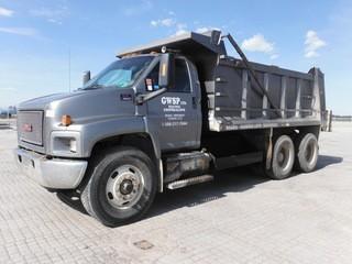 2007 GMC C8500 T/A End Gravel Truck